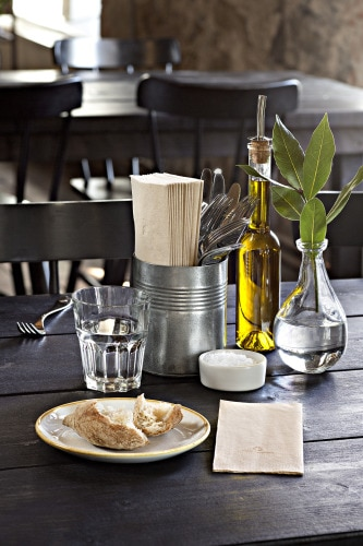 Natural napkin tablesetting