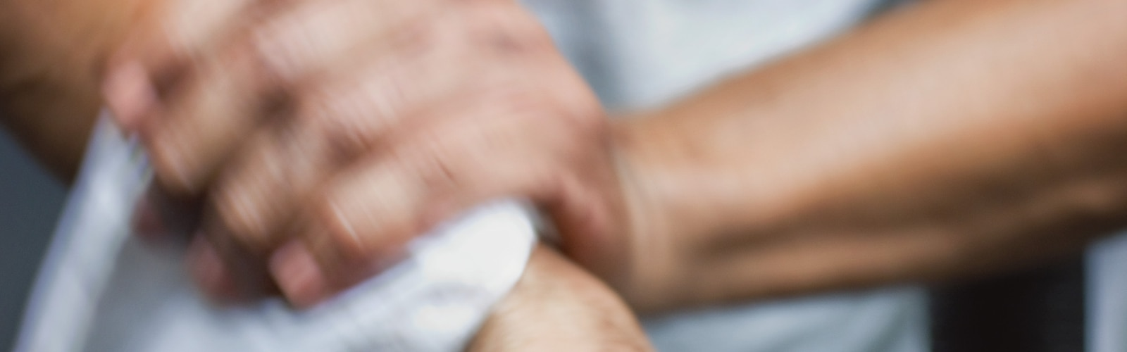 Ind-in-Use-hand-wiping_original.png